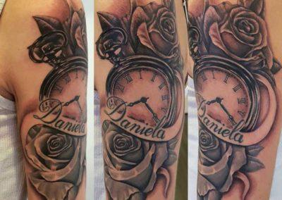 tatuaje reloj con rosa | tatuajes madrid
