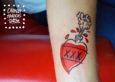Tatuaje corazon poison | tatuajes originales | tatuajes divertidos | tattoo