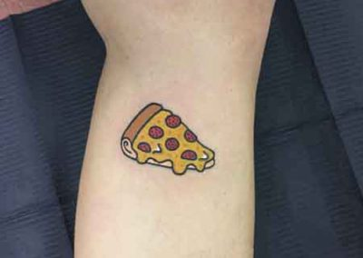 tatuaje pizza | tatuajes divertidos | tatuajes pequeños | tattoo