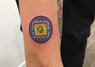 tatuaje tamagotchi | tatuajes divertidos | Clara Mc Murphy