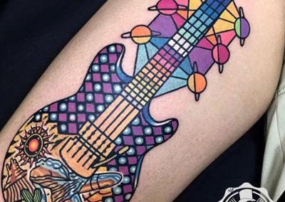 tatuaje-guitarra-color