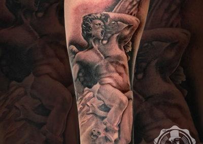 tatuaje-realismo-negro