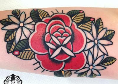 tatuaje-oldschool-rosas