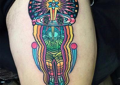tatuaje-pierna-astronauta