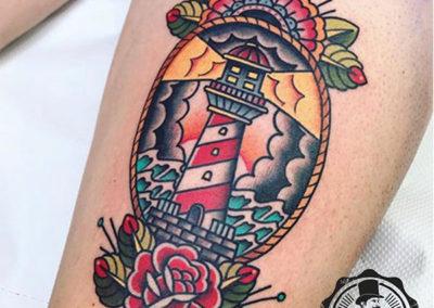 tatuaje-pierna-faro