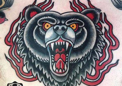 tatuaje-oso-pecho