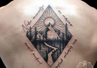 tattoo espalda paisaje tatuajes en madrid