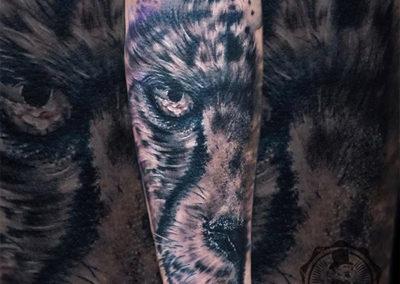 tatuadores realismo madrid | tatuaje lobo