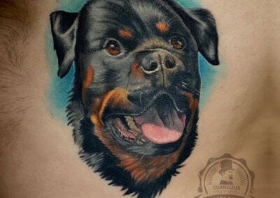 tatuajes realistas de un perro