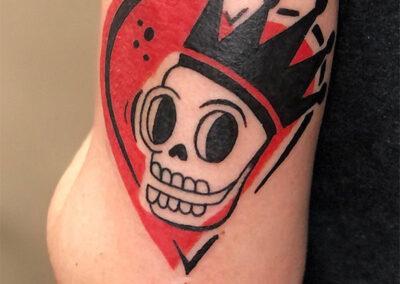 tatuajes en el brazo mujer | calavera