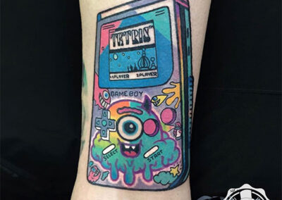 tatuajes a color de game boy