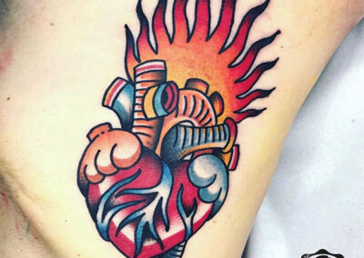 tatuajes old school de un corazón