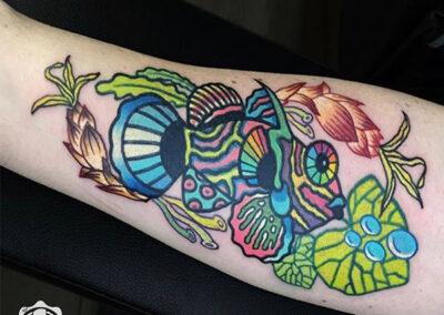 tatuajes a color de un pez