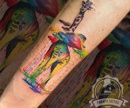 tatuajes acuarela de jirafa