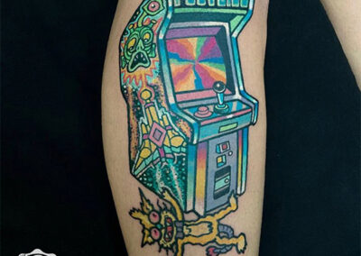 tatuajes a color maquina de videojuegos