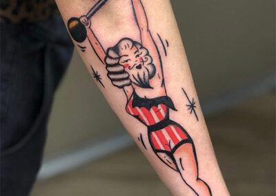 pin up tattoo de mujer barbuda