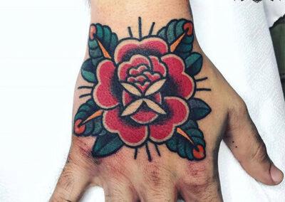 tatuajes old school | tatuajes en la mano