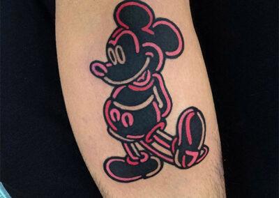 tatuajes a color mickey Mouse