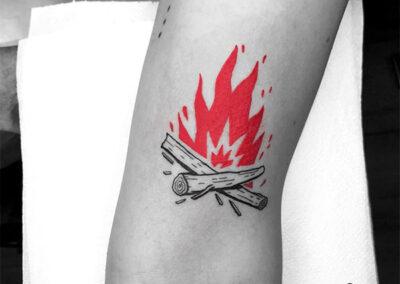 tatuajes en el brazo fuego