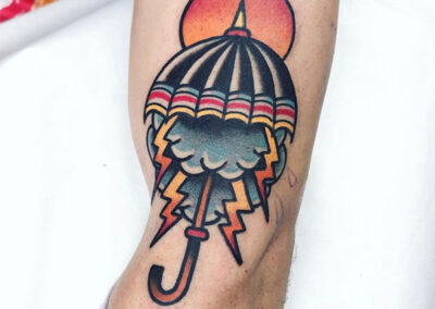 tatuajes old school de un paraguas