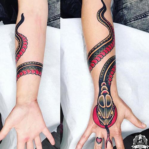 tatuajes en el brazo serpiente