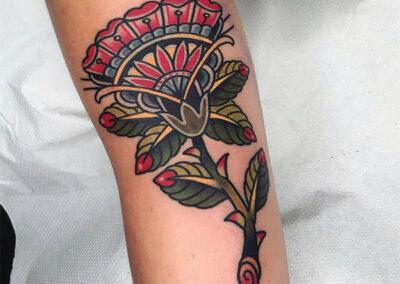 tatuajes old school de una rosa